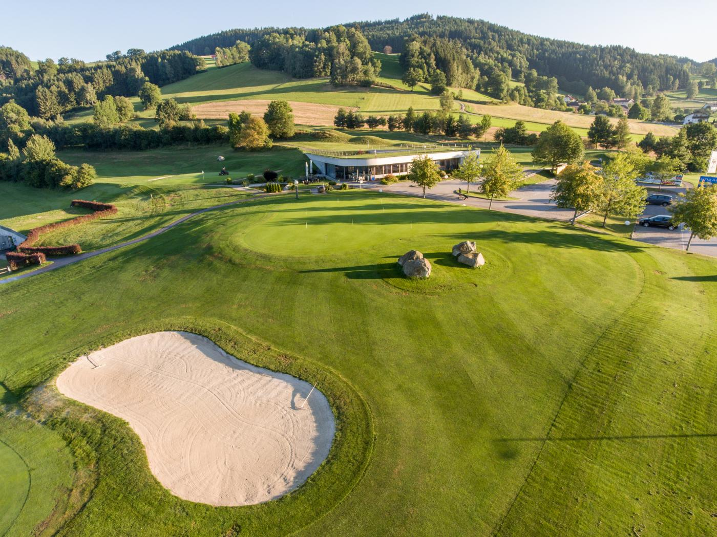 Golfurlaub Mühlviertel - Golfclub St. Oswald bei Freistadt | Clubhaus-Puttinggreen